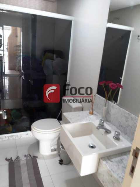 BANHEIRO SUÍTE 2 - Cobertura à venda Rua Engenheiro Marques Porto,Humaitá, Rio de Janeiro - R$ 1.800.000 - JBCO30205 - 13