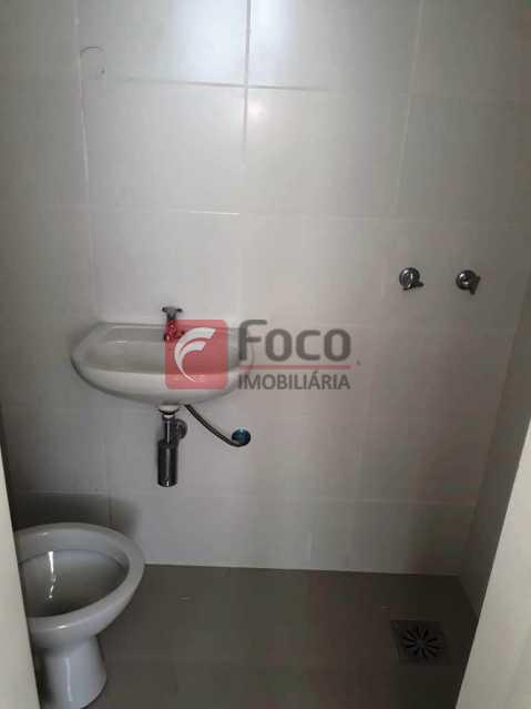 BANHEIRO SERVIÇO - Apartamento à venda Rua Andrade Pertence,Catete, Rio de Janeiro - R$ 820.000 - FLAP22395 - 18