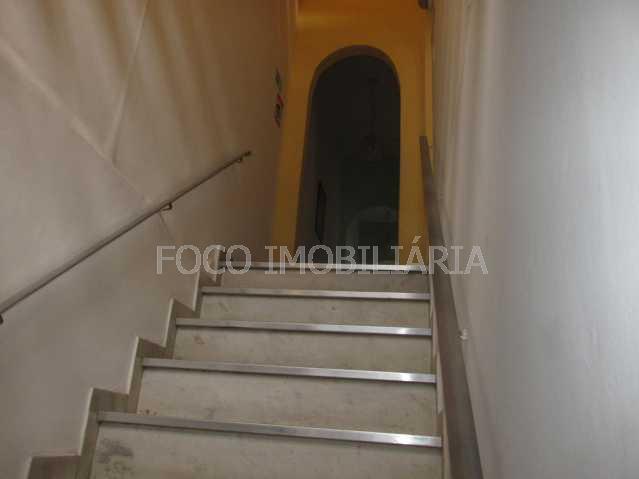 ACESSO ÀS SUÍTES - Casa à venda Rua Hermenegildo de Barros,Glória, Rio de Janeiro - R$ 1.800.000 - FLCA90002 - 7