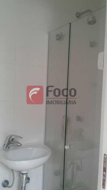 BANHEIRO DE SERVIÇO - Apartamento à venda Rua Pereira da Silva,Laranjeiras, Rio de Janeiro - R$ 1.200.000 - FA32168 - 17