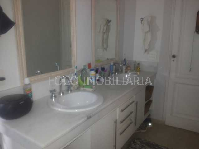 BANHEIRO SUITE - FLCA50024 - 19