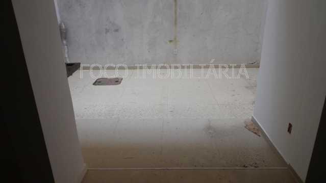 ÁREA EXTERNA QUINTAL - Apartamento à venda Rua Cardeal Dom Sebastião Leme,Santa Teresa, Rio de Janeiro - R$ 410.000 - FLAP21058 - 18