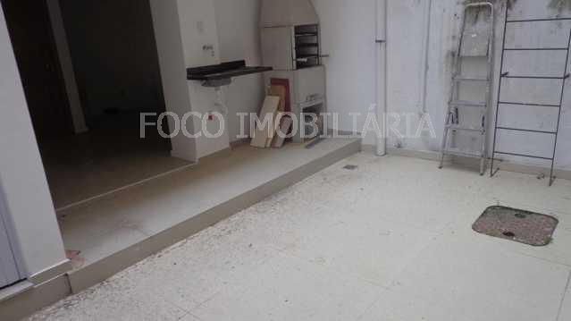 ÁREA EXTERNA QUINTAL - Apartamento à venda Rua Cardeal Dom Sebastião Leme,Santa Teresa, Rio de Janeiro - R$ 410.000 - FLAP21058 - 6