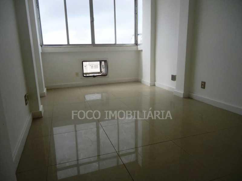 QUARTO 1 - Apartamento à venda Avenida Nossa Senhora de Copacabana,Copacabana, Rio de Janeiro - R$ 1.050.000 - FLAP21164 - 13