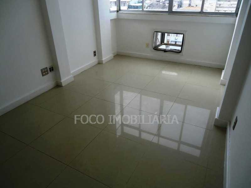 QUARTO 1 - Apartamento à venda Avenida Nossa Senhora de Copacabana,Copacabana, Rio de Janeiro - R$ 1.050.000 - FLAP21164 - 14