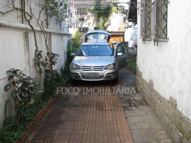garagem descoberta - Casa à venda Rua Eurico Cruz,Jardim Botânico, Rio de Janeiro - R$ 4.700.000 - FLCA40045 - 14
