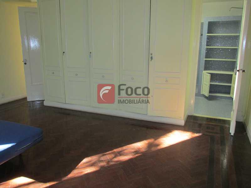 quarto suite - Casarão tipo Sobrado em Botafogo podendo servir para moradia ou comercial - 5 Quartos - 6 Vagas - JBCA50010 - 9