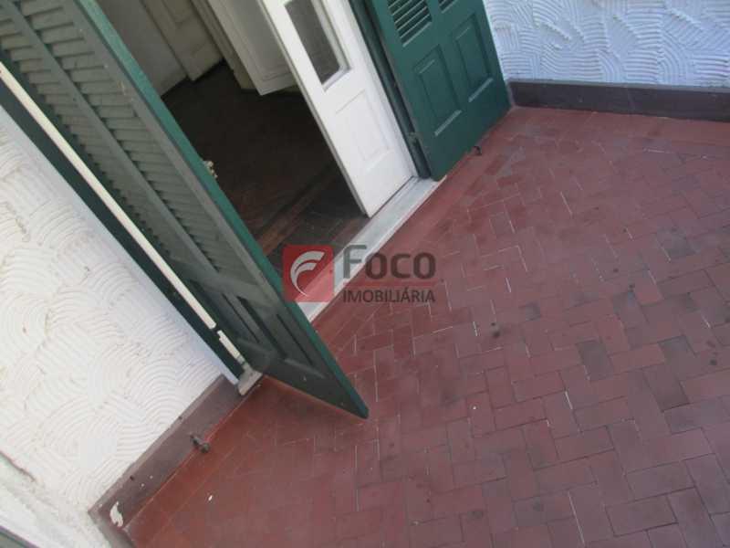 varanda 2o.piso - Casarão tipo Sobrado em Botafogo podendo servir para moradia ou comercial - 5 Quartos - 6 Vagas - JBCA50010 - 17
