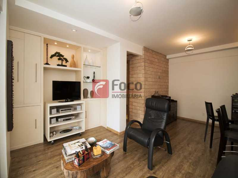3 - Palazzo Di Lucena - Salão, Cozinha Americana, Suíte Master com Closet Totalmente modernizados. - FLAP21206 - 7