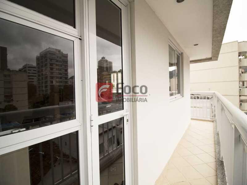 5 - Palazzo Di Lucena - Salão, Cozinha Americana, Suíte Master com Closet Totalmente modernizados. - FLAP21206 - 9