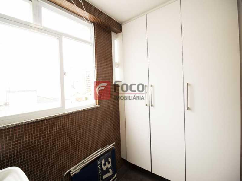 10 - Palazzo Di Lucena - Salão, Cozinha Americana, Suíte Master com Closet Totalmente modernizados. - FLAP21206 - 14
