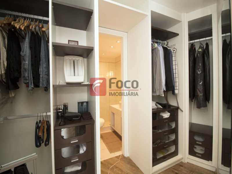 11 - Palazzo Di Lucena - Salão, Cozinha Americana, Suíte Master com Closet Totalmente modernizados. - FLAP21206 - 15