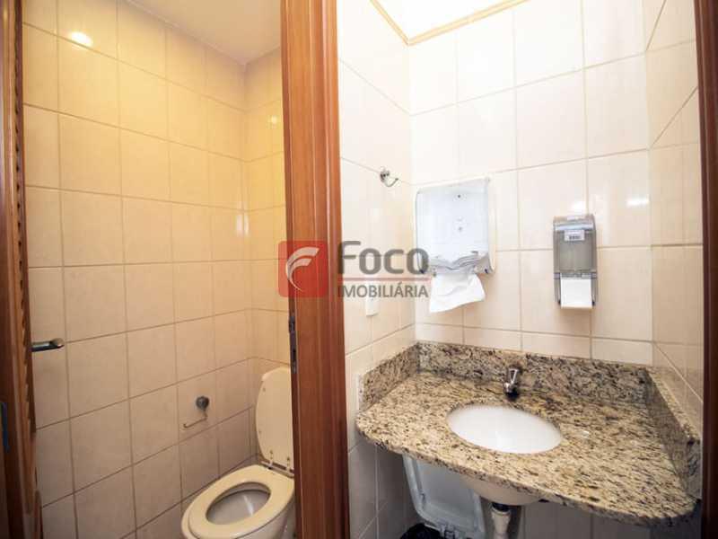 15 - Palazzo Di Lucena - Salão, Cozinha Americana, Suíte Master com Closet Totalmente modernizados. - FLAP21206 - 19
