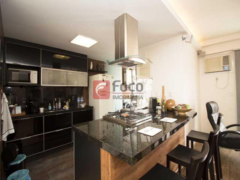 17 - Palazzo Di Lucena - Salão, Cozinha Americana, Suíte Master com Closet Totalmente modernizados. - FLAP21206 - 1