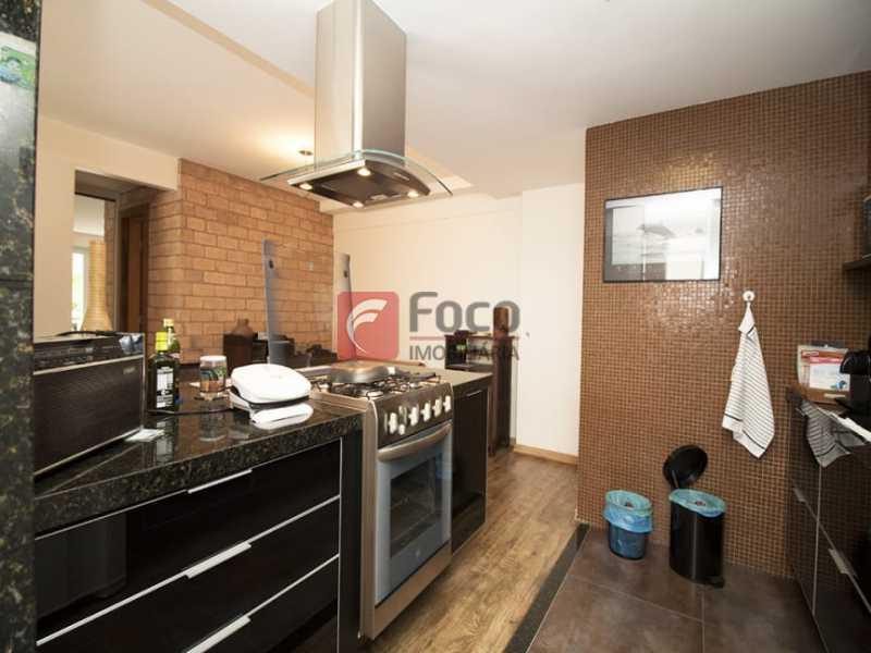 18 - Palazzo Di Lucena - Salão, Cozinha Americana, Suíte Master com Closet Totalmente modernizados. - FLAP21206 - 4