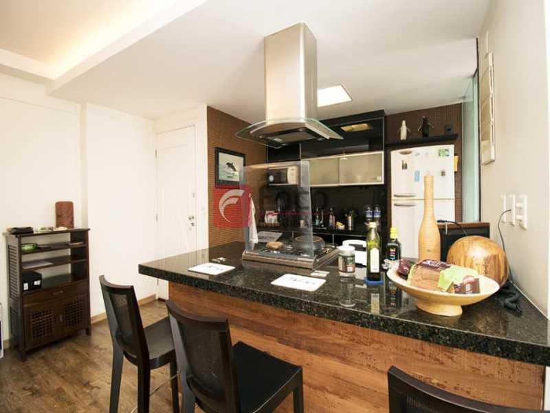 19 - Palazzo Di Lucena - Salão, Cozinha Americana, Suíte Master com Closet Totalmente modernizados. - FLAP21206 - 3