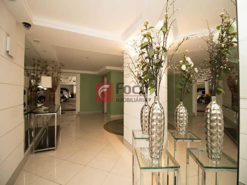 23 - Palazzo Di Lucena - Salão, Cozinha Americana, Suíte Master com Closet Totalmente modernizados. - FLAP21206 - 28