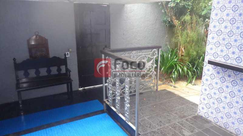 CIRCULAÇÃO INTERNA - Casa à venda Rua Fernando Magalhães,Jardim Botânico, Rio de Janeiro - R$ 6.000.000 - FLCA70005 - 11