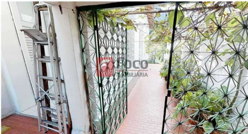 Acesso garagem - Casa à venda Rua Faro,Jardim Botânico, Rio de Janeiro - R$ 1.590.000 - JBCA20004 - 5