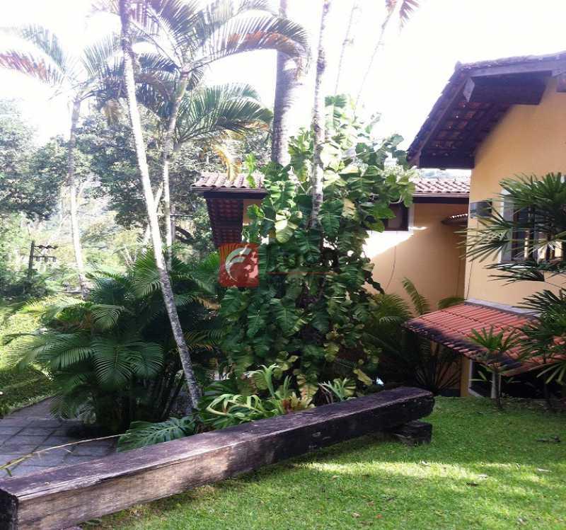 JARDINS - Ampla Casa no Meio do Verde - 482 m2 no Iptu - 04 Salas, 05 dormitórios (3 suítes) - Piscina, Sauna e Lindo Jardim - JBCA50011 - 13