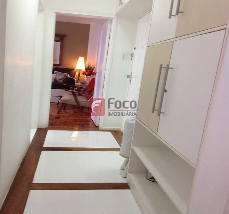 CIRCULAÇÃO - Ótima Localização, perto Metrô Jardim de Alah e Shopping Leblon - Sala Quarto Reformado. - JBAP10211 - 9