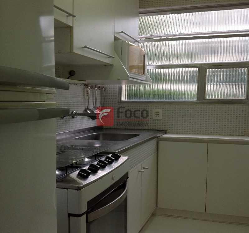 COZINHA - Ótima Localização, perto Metrô Jardim de Alah e Shopping Leblon - Sala Quarto Reformado. - JBAP10211 - 16