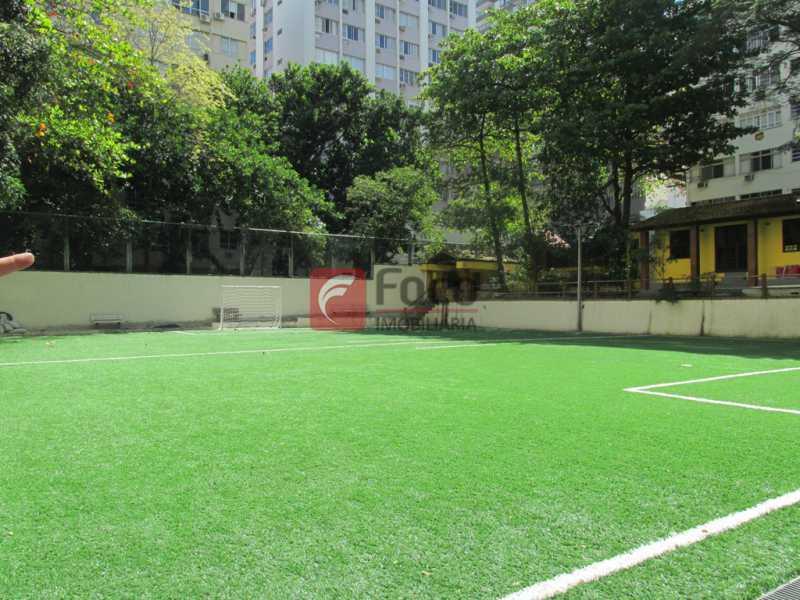 CAMPO DE FUTEBOL - Ótima Localização, perto Metrô Jardim de Alah e Shopping Leblon - Sala Quarto Reformado. - JBAP10211 - 26