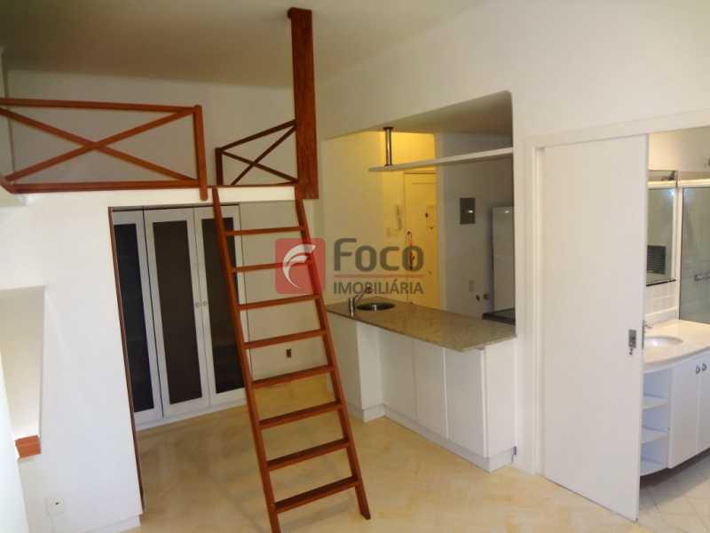 DSC07252 - Loft Reformado - Rua Tranquila e Bucólica - JBAP10223 - 10