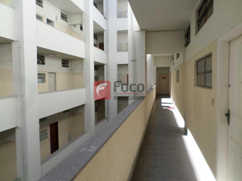 CORREDOR INTERNO - Aconchegante E Reformado - Ótimo Sala 2 Quartos Reformado - Próximo Ao Metrô - FLAP21889 - 25