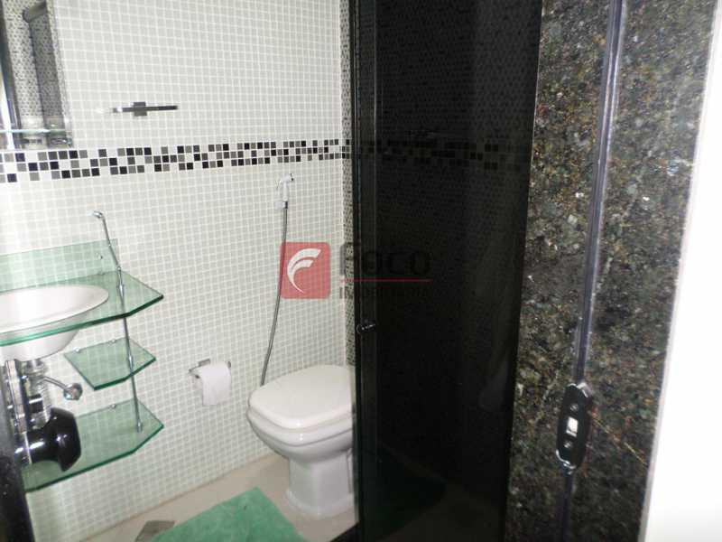 BANHEIRO SUÍTE - Aconchegante E Reformado - Ótimo Sala 2 Quartos Reformado - Próximo Ao Metrô - FLAP21889 - 17