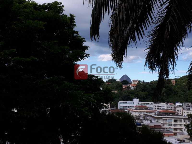 VISTA - CASA EM RUA SEM SAÍDA E GUARITA COM SEGURANÇA 24 HORAS. - FLCA60025 - 8