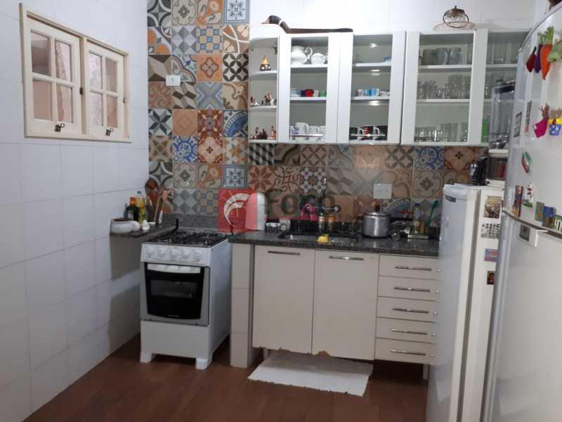 COPA/COZINHA - CASA EM RUA SEM SAÍDA E GUARITA COM SEGURANÇA 24 HORAS. - FLCA60025 - 29