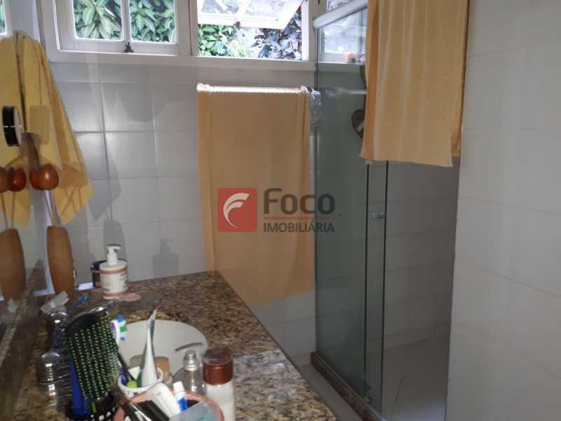 BANHEIRO - CASA EM RUA SEM SAÍDA E GUARITA COM SEGURANÇA 24 HORAS. - FLCA60025 - 24