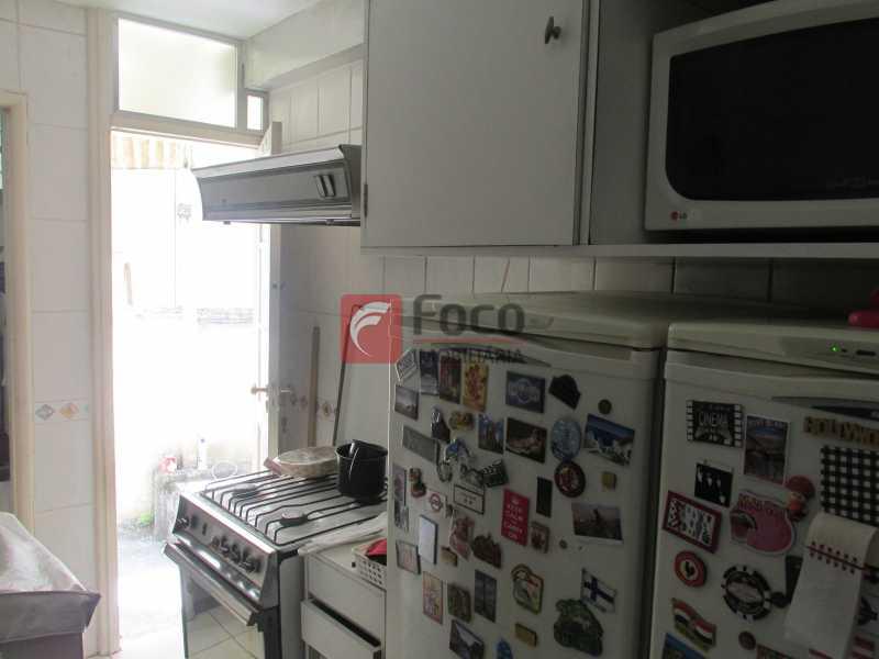 Cozinha - Lagoa bucólica - Sala 2 quartos com dependências - Terraço com churrasqueira de uso comum. - JBAP20678 - 13