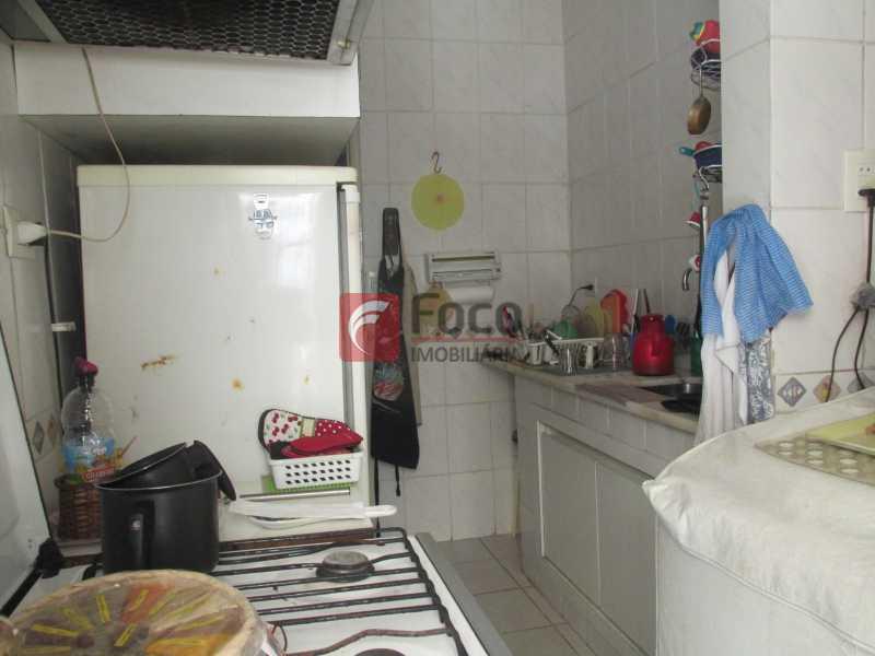 Cozinha - Lagoa bucólica - Sala 2 quartos com dependências - Terraço com churrasqueira de uso comum. - JBAP20678 - 11