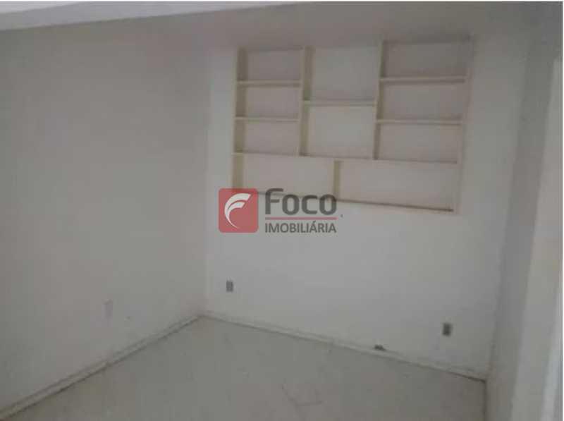 5 - Urca - Prédio pequeno com apenas 01 apartamento por Andar - Sala Quarto com pequena área externa - JBAP10233 - 7