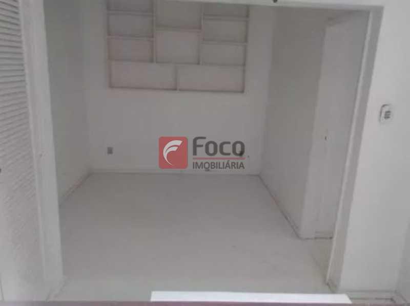 7 - Urca - Prédio pequeno com apenas 01 apartamento por Andar - Sala Quarto com pequena área externa - JBAP10233 - 5