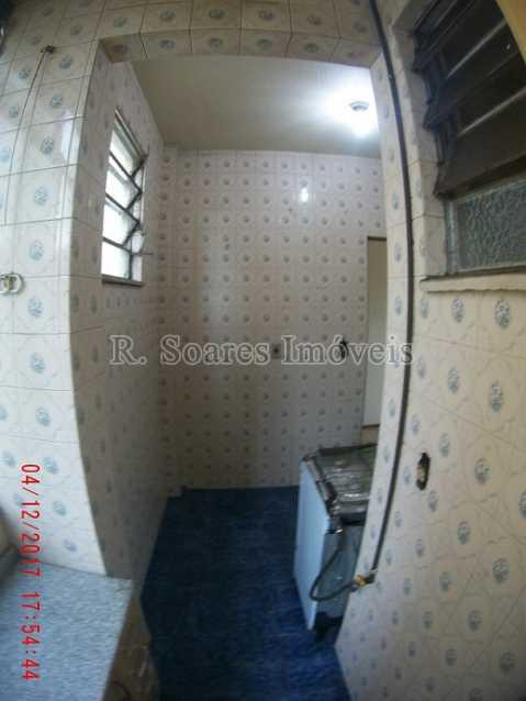 22 - Area e Cozinha vista 3 - COMPRA, VENDA, LOCAÇÃO E ADMINISTRAÇÃO - VVAP30094 - 23