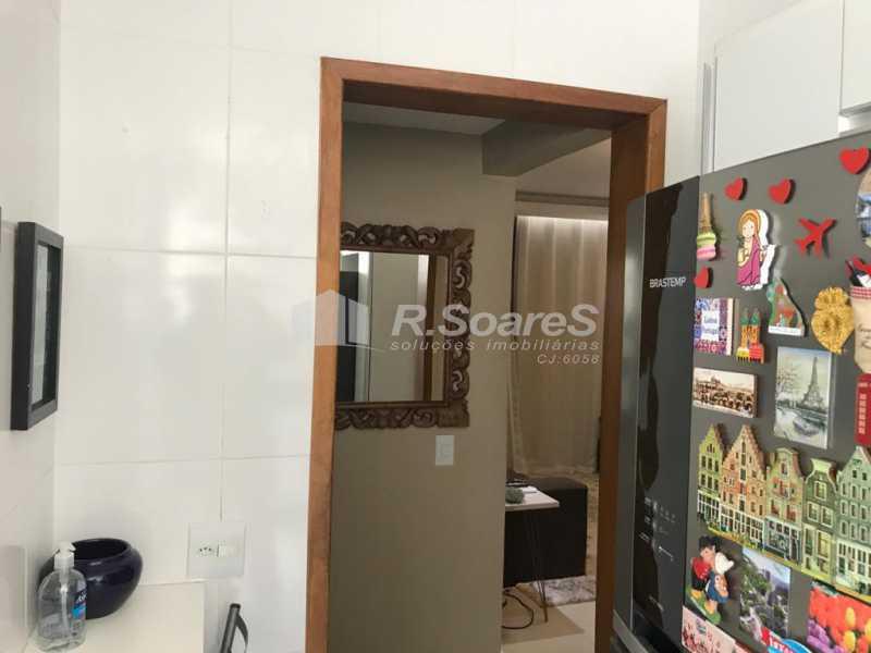 WhatsApp Image 2020-09-30 at 0 - R.Soares vende !!!! APROVEITE ESSA GRANDE OPORTUNIDADE !!!! Excelente localização na Tijuca, nas proximidades da Praça Vanhargem e Shopping Tijuca, bom comércio com tudo ao seu dispor.......Apartamento reformado, todo no porcelanato, composto em sala com - JCAP20671 - 21