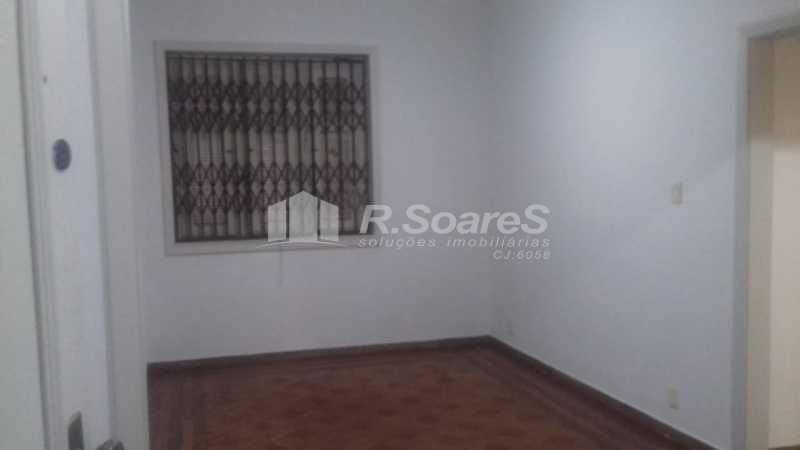 3 - R.Soares vende aluga amplo apartamento térreo localizado na Av. Paulo de Frontin - JCAP30414 - 4