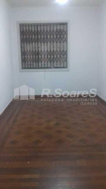 2 - R.Soares vende aluga amplo apartamento térreo localizado na Av. Paulo de Frontin - JCAP30414 - 3