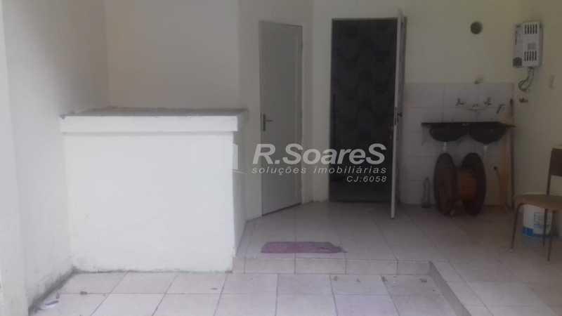 23 - R.Soares vende aluga amplo apartamento térreo localizado na Av. Paulo de Frontin - JCAP30414 - 24