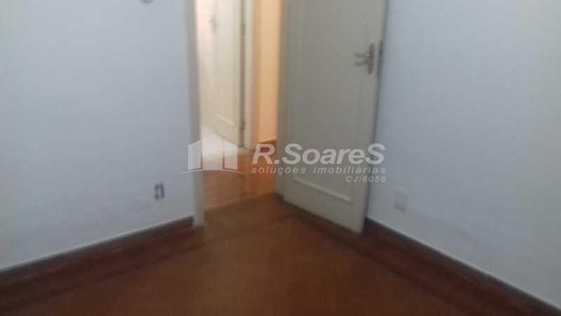 7 - R.Soares vende aluga amplo apartamento térreo localizado na Av. Paulo de Frontin - JCAP30414 - 8