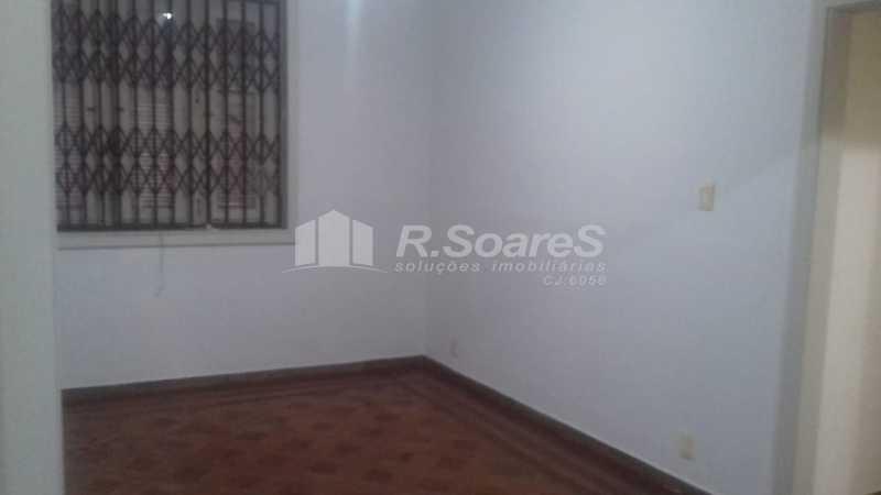 8 - R.Soares vende aluga amplo apartamento térreo localizado na Av. Paulo de Frontin - JCAP30414 - 9