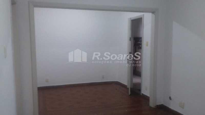 9 - R.Soares vende aluga amplo apartamento térreo localizado na Av. Paulo de Frontin - JCAP30414 - 10