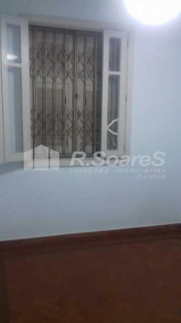 5 - R.Soares vende aluga amplo apartamento térreo localizado na Av. Paulo de Frontin - JCAP30414 - 6