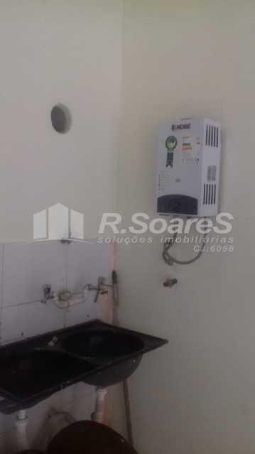 20 - R.Soares vende aluga amplo apartamento térreo localizado na Av. Paulo de Frontin - JCAP30414 - 21