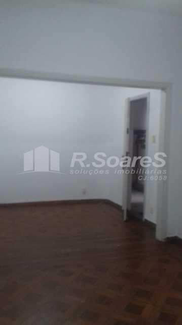 11 - R.Soares vende aluga amplo apartamento térreo localizado na Av. Paulo de Frontin - JCAP30414 - 12