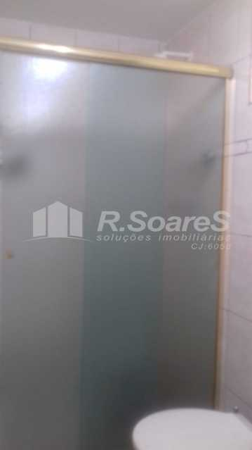 22 - R.Soares vende aluga amplo apartamento térreo localizado na Av. Paulo de Frontin - JCAP30414 - 23