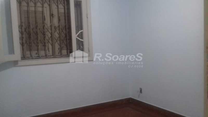 16 - R.Soares vende aluga amplo apartamento térreo localizado na Av. Paulo de Frontin - JCAP30414 - 17
